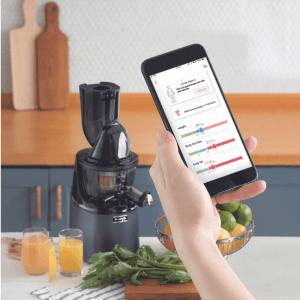 Aplikacja mobilna współpracująca z wyciskarką do soków Kuvings Motiv1 dostarcza również propozycje ćwiczeń